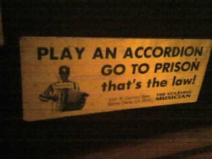 Accordion sign