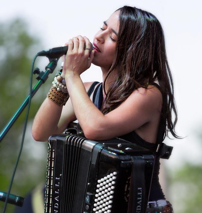 The Talented Ginny Mac – Accordion Americana