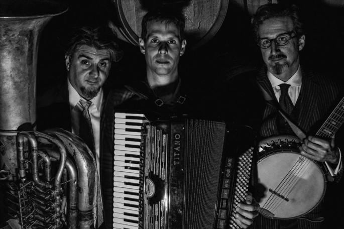 Will Hollhouser,accordion